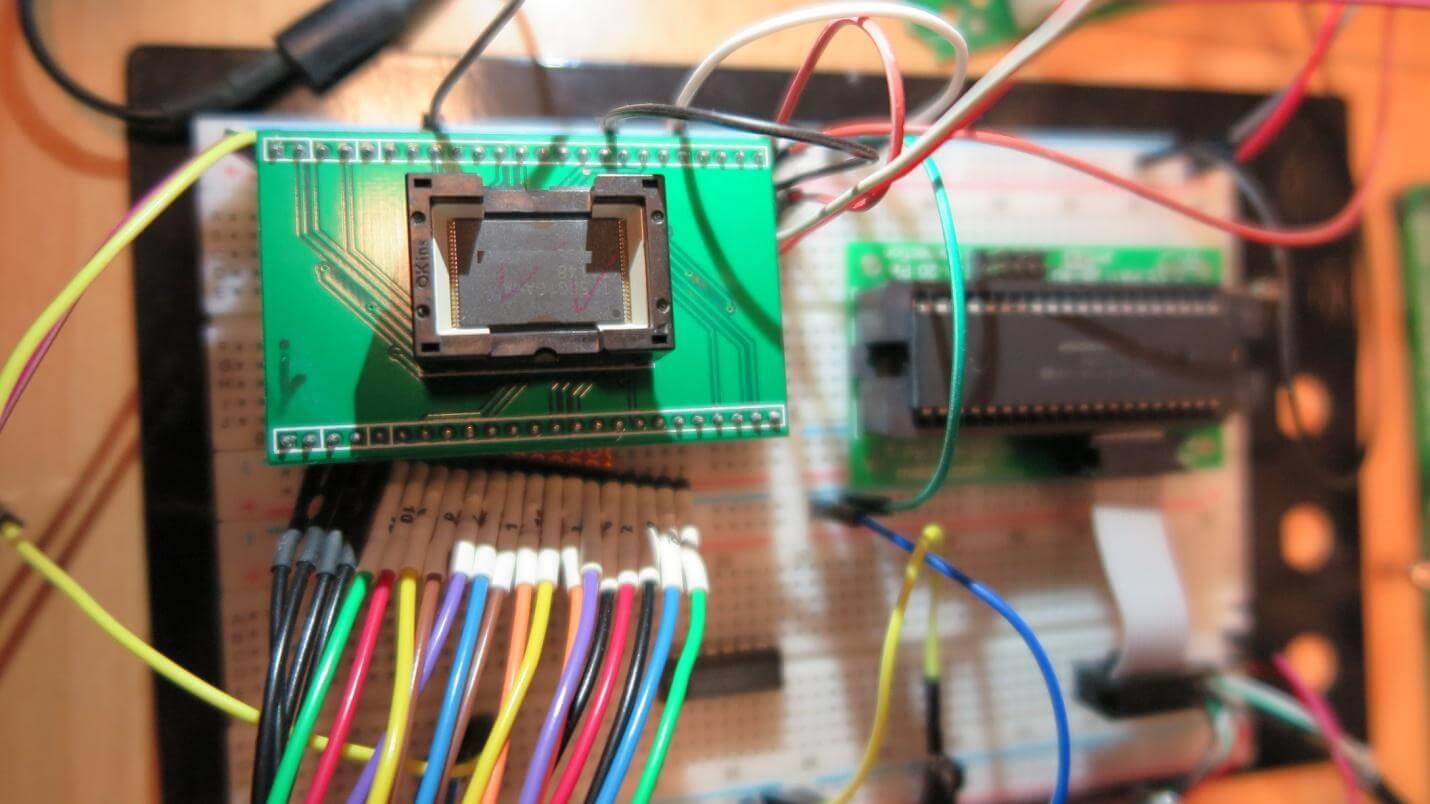 Pinbelegung beim USB-Stick Flash-Chip